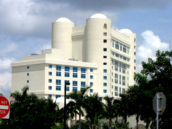 New and improved technology allows our Boca Raton Fl contractors to reach heights and accomplish goals physically impossible for other painting companies.